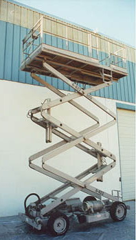 1,000 Lb MARK INDUSTRIES #RT-30G, 50 to 30' Platform Ht, 142 x 66 Platform
