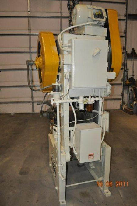 32 Ton FEDERAL OBI Press, 6 Str, 13-1/2 SH, 60 SPM