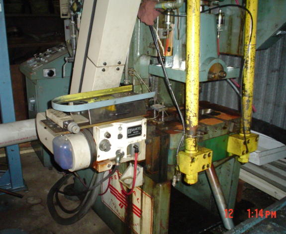 32 Ton FEDERAL OBI Press, 1.5 Str, 10.25 SH, 24 x 15 Bed, 90 to 300 SPM