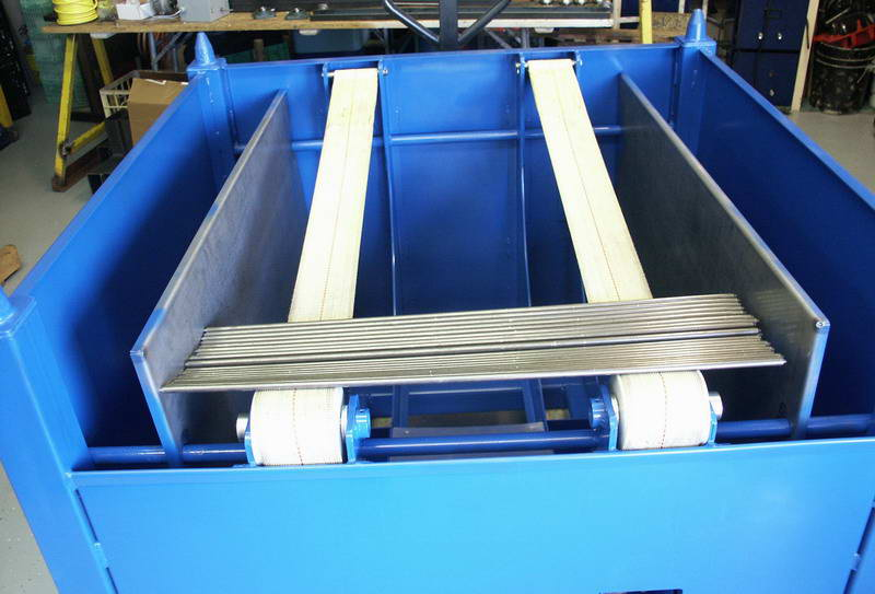 Self Unloading Hopper, 4,000 Parts Of 10mm Dia Cap, 4,500 Max Wt Cap, 2007