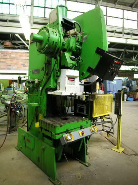 60 Ton NIAGARA OBI Press, 6 Str, 19 SH, 32 x 21 Bed, 100 SPM