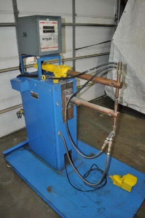 10 KVA WELD-O-MATIC Spot Welder, Robotron 30 Controller, 20 Throat, 550 Volts