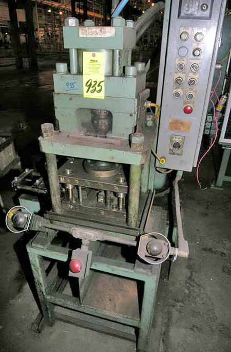 200-20 COLUMBIA MARKING TOOLS Hyd Press Line, Powered Centering Reel