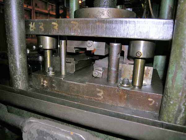 20 TON COLUMBIA MODEL 200-20 4-POST HYDRAULIC PRESS