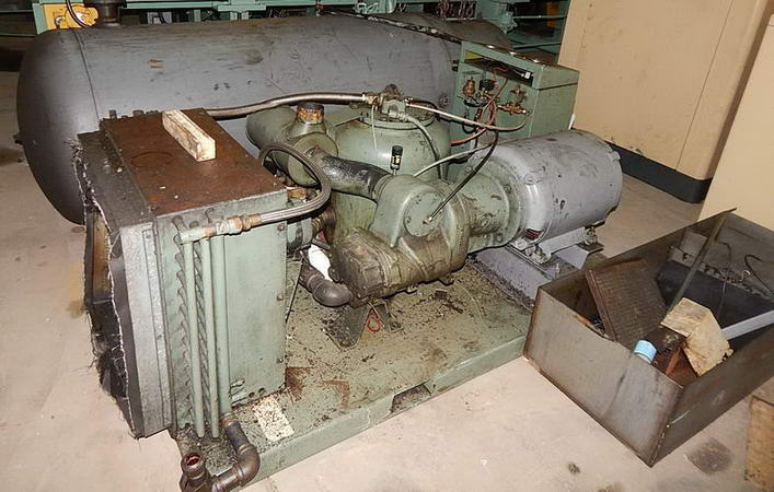 215 CFM @ 125 PSIG JOY TA0220BA141HJ Air Compressor, Air Cooled, 50 HP