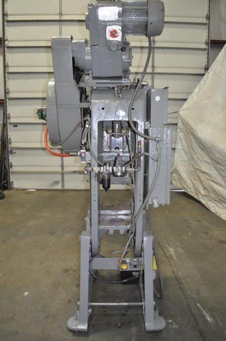 27 Ton L & J OBI Press, 1 Str, 10.5 SH, 2 Adj, 21-1/2 x 13 Bed, 150 SPM