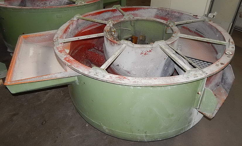 SPALECK Vibratory Bowl, 70 ID x 34 ID x 34 Deep, (2) Bottom Discharges
