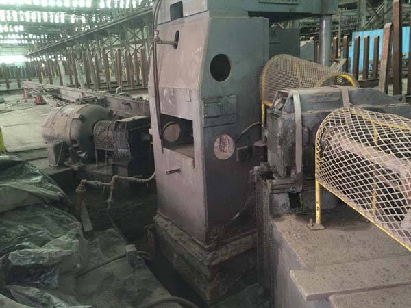 1 3/4 SUTTON MODEL 10D2M 2-ROLL ROTARY STRAIGHTENER, 1968, 60' Handling Tables