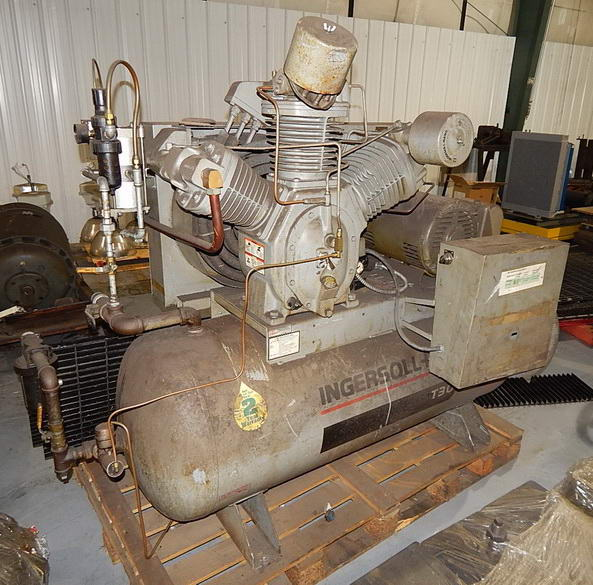 85 CFM @ 175 PSI INGERSOLL RAND Air Compressor, 2-Stage, 120 Gallon Tank, 25 HP
