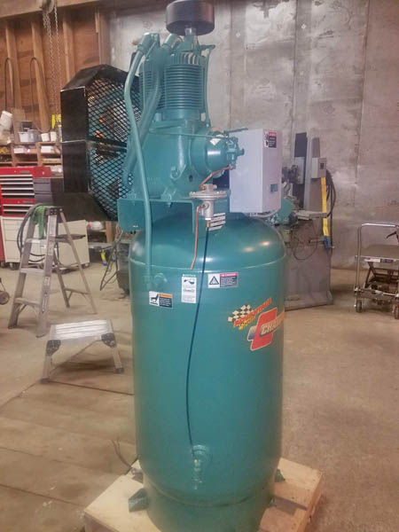 5 HP CHAMPION MODEL VR5-8 VERTICAL TANK MOUNTED PISTON TYPE AIR COMPRESSOR