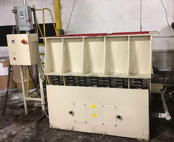 31 CuFt VIBETECH VTHT-3660 Vibratory Tub Finisher, 36 x 60 Process Channel