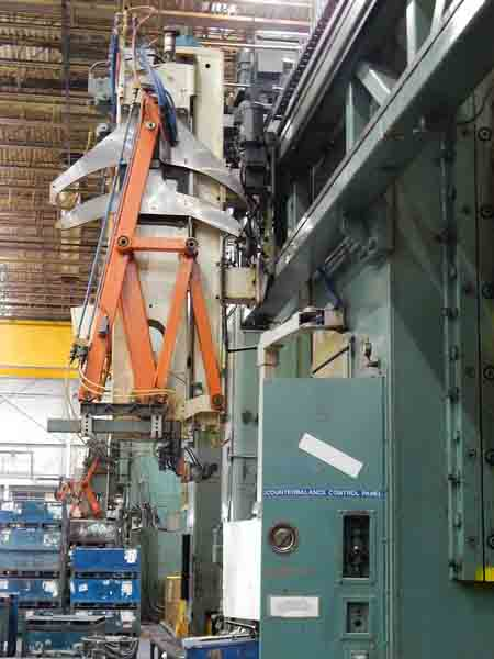 1000 Ton CLEARING DOUBLE ACTION DRAW PRESS, 84 X 120 , AUTO BLANK LOADER