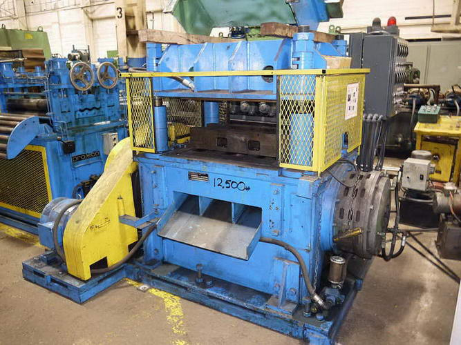 60 Ton PRO ECO Cut-Off Press, 37 LR x 22 FB Bet Posts, 2 Str, 15 HP