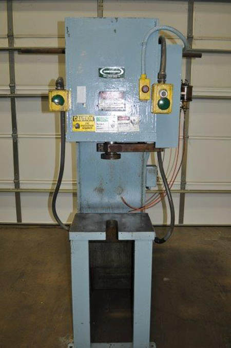 12 Ton GREENERD MODEL HA-12-8LR HYDRAULIC PRESS, 10 Str, 16 DLO, 20 x 14