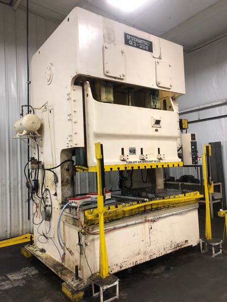 275 Ton STAMTEC MODEL G2-250 DOUBLE POINT GAP FRAME PRESS, 1999,