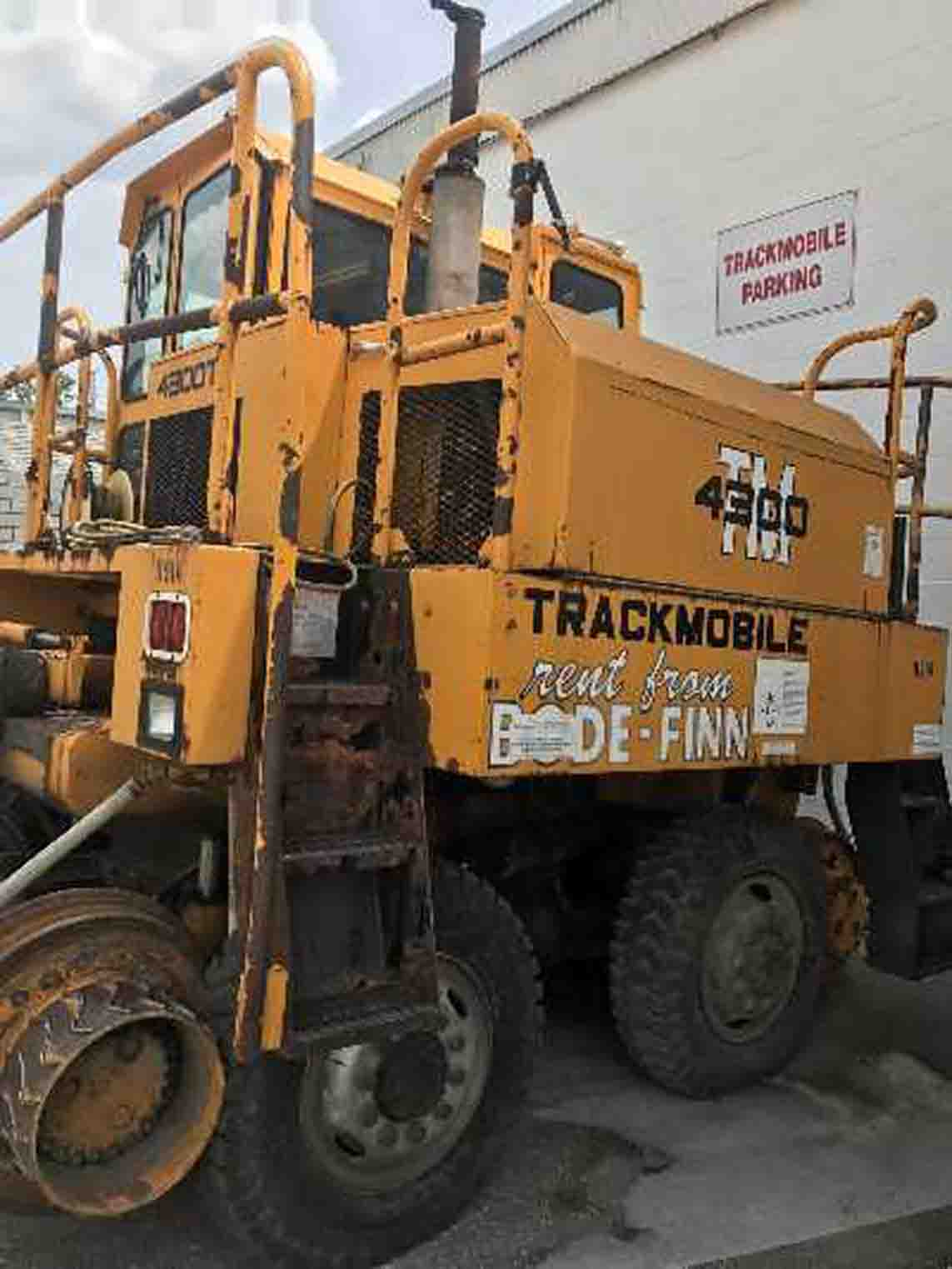 TRACKMOBILE 4300TM Car Puller, 28K Lbs (Sgl) and 38K Lbs (Dbl) Tractive Capacity